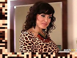 lisa ann liikes it big